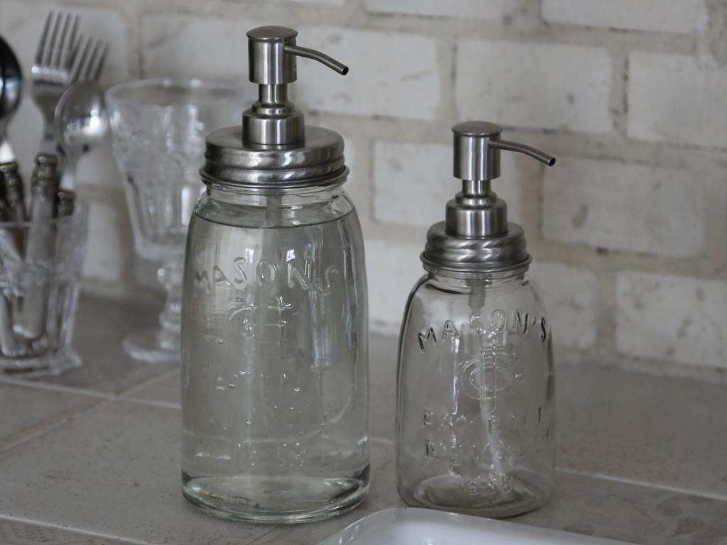 flaska med pump